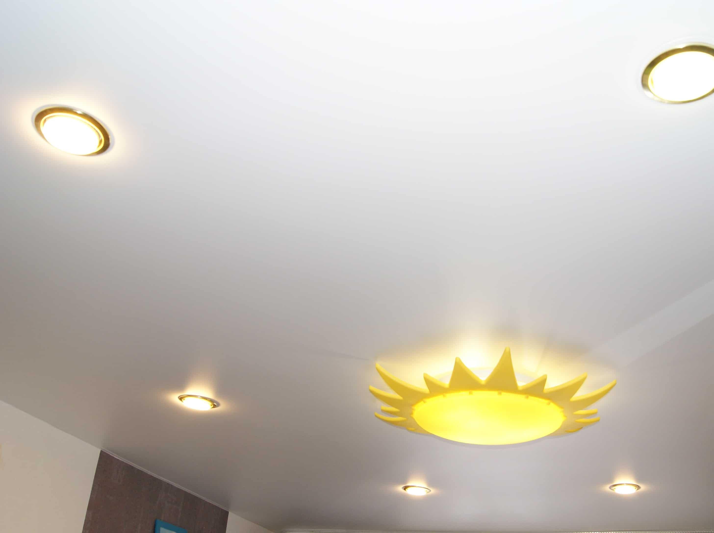 светильники для натяжных